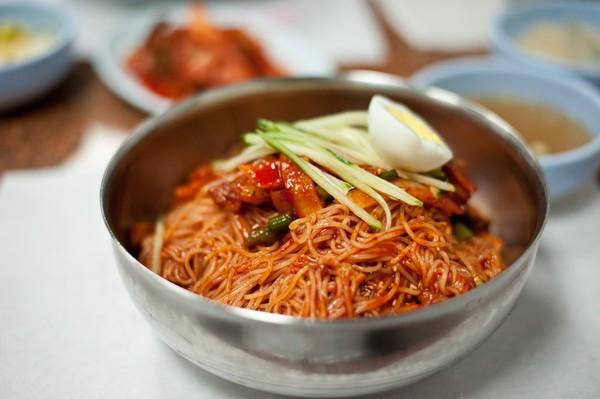 10 món mì lạnh tuyệt ngon của Hàn Quốc