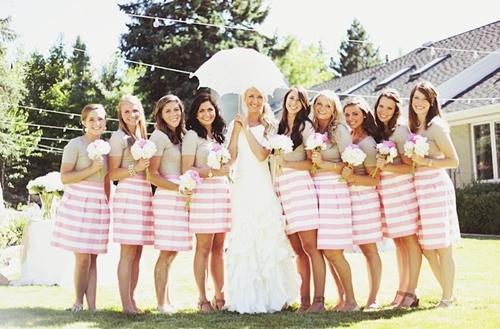 7 gợi ý váy phù dâu thời trang và nhã nhặn 15