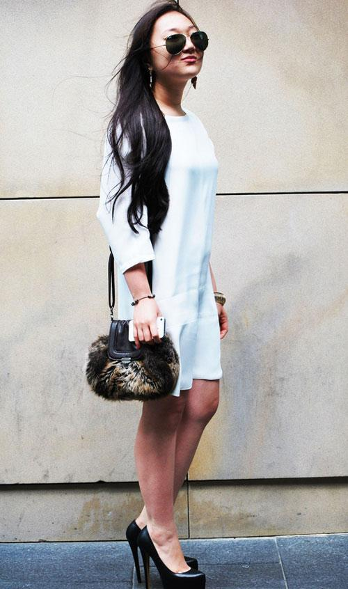 Cách mix đồ đẹp đơn giản với váy trắng 9d2d03c17d989fa1327c752a9b5144f697ad03a0