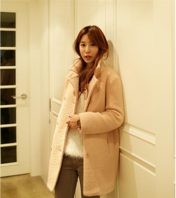 Kết hợp 3 phong cách với áo khoác tone màu tươi sáng 19