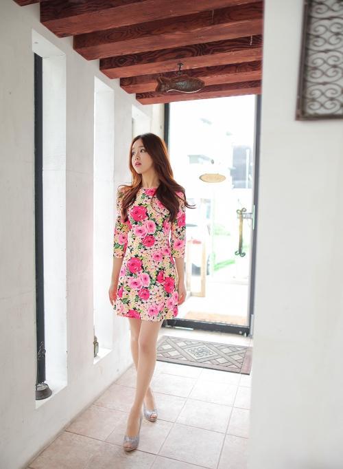 Xu hướng váy hoa xuân hè 2013