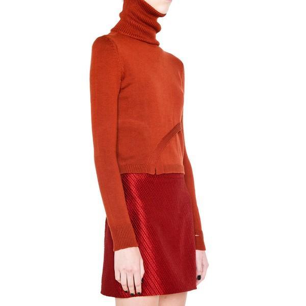15 mẫu áo len cổ lọ quý cô nào cũng có thể diện hàng ngày 13