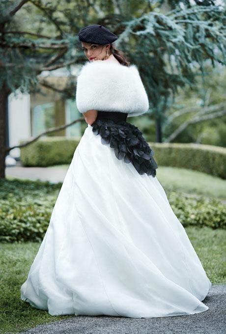 Ấm áp mà vẫn đẹp lộng lẫy với áo khoác cưới mùa đông 2013 5