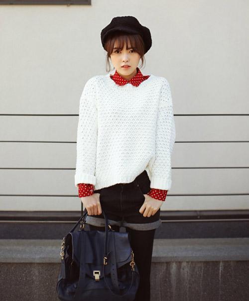 Phối sơ mi và áo len theo cách của bạn!