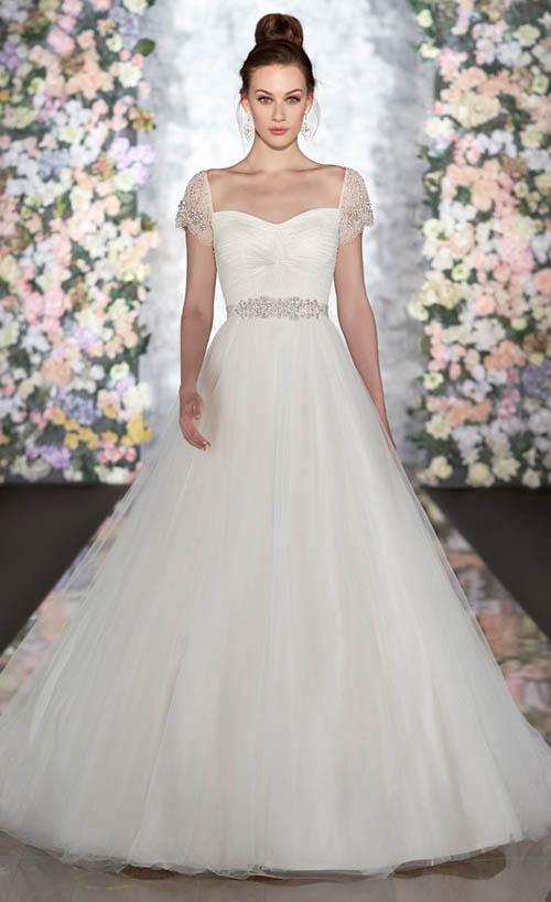 10 mẫu váy cưới đẹp cho nàng bầu - 5