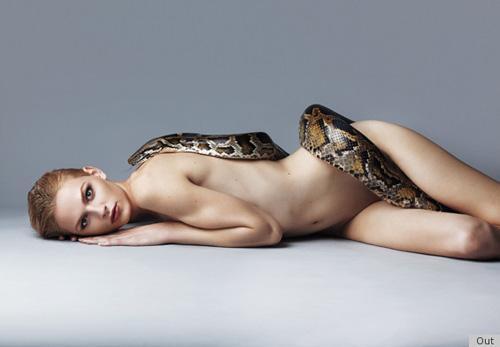 Vẻ đẹp sexy đầy nữ tính của siêu mẫu 'gay' Andrej Pejic