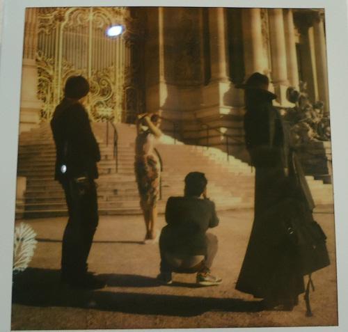 Kinh đô thời trang Paris qua góc máy Polaroid