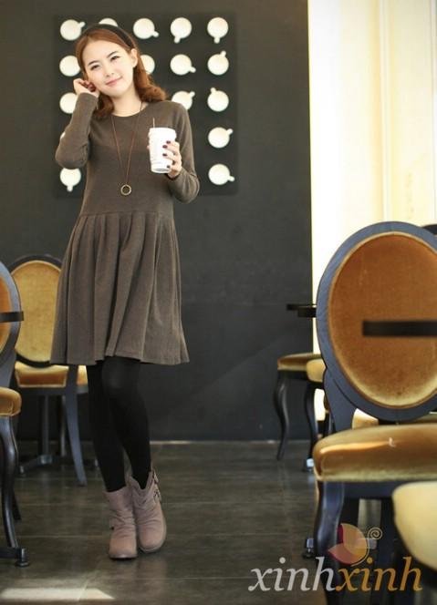 Váy thun mềm mại trong chiều gió lạnh