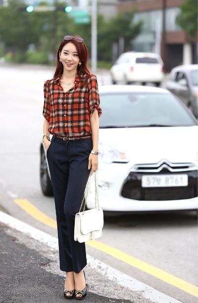 Các mẫu áo sơ mi nữ kẻ caro đẹp cho mùa thu 2013