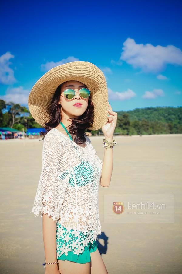 Biển xanh cát trắng & những bộ bikini đẹp lung linh 16