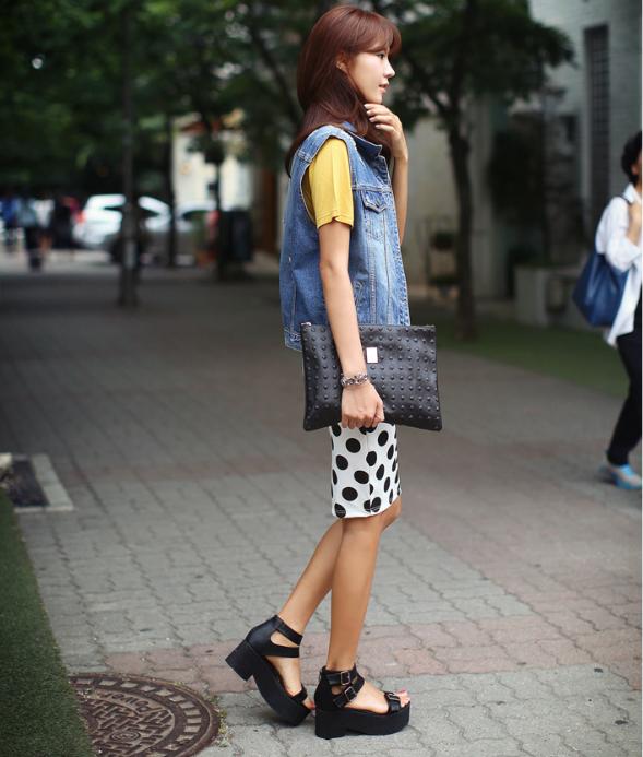 Bí quyết mặc đẹp ngay cả khi trời mưa gió 25