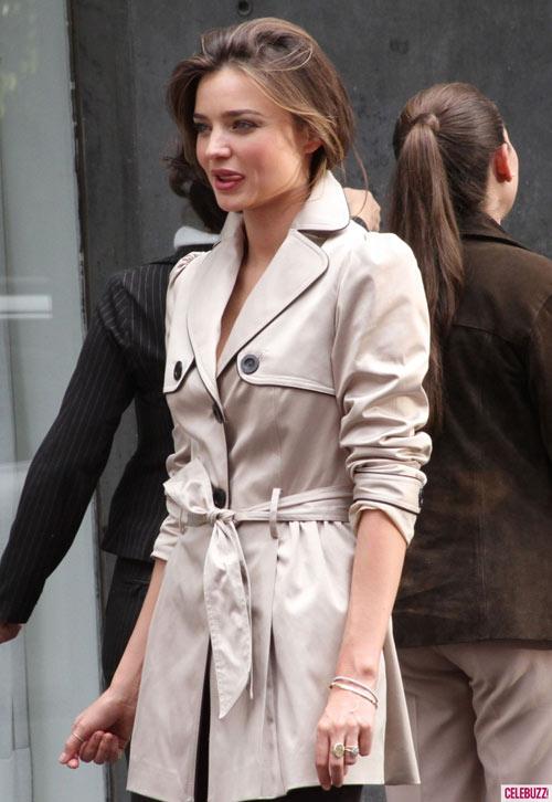 Chọn áo khoác mùa đông chuẩn như Miranda Kerr - 14