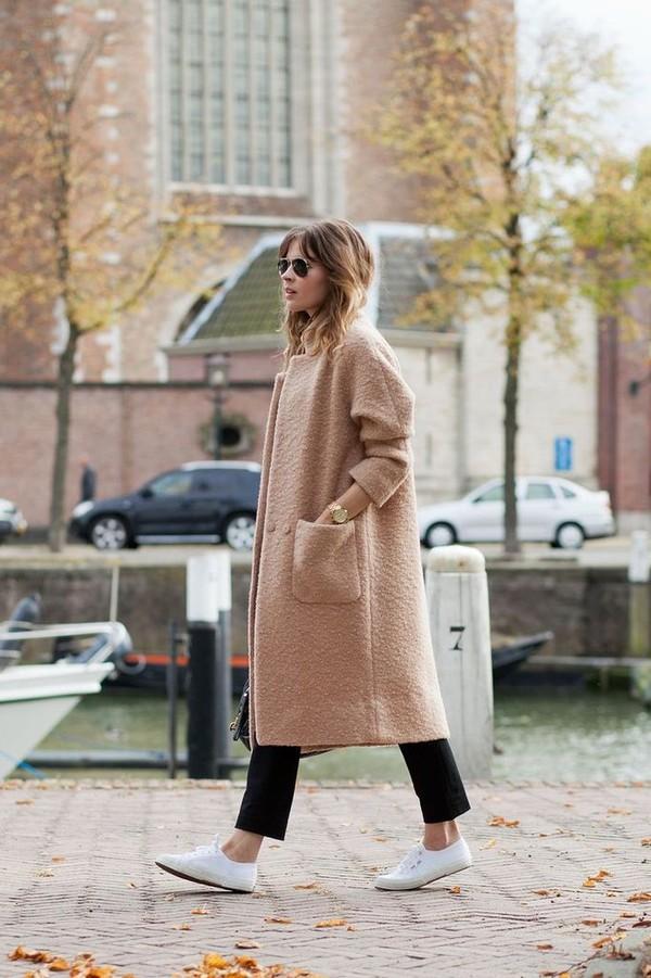 Gợi ý cho quý cô công sở kết hợp áo khoác dạ bớt nhàm chán 5