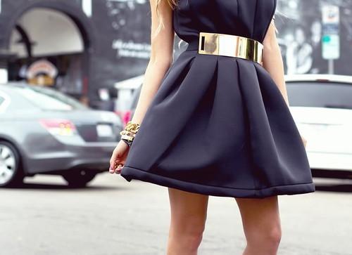 7 cách đơn giản khiến chiếc váy đen thêm bắt mắt 22