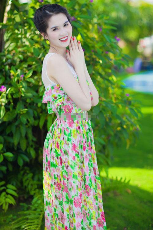 7 kiểu váy đi biển tuyệt xinh như mỹ nhân Việt