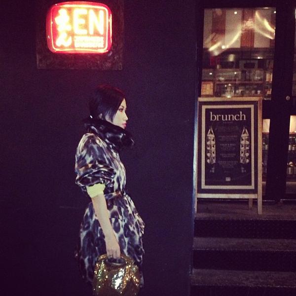 NTK gốc Việt Nini Nguyen - từ lao công trở thành stylist riêng của Rihanna 32