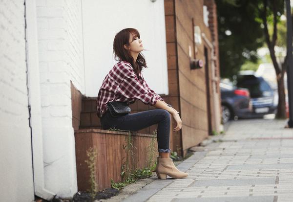 Cách chọn và kết hợp quần jeans với giày hợp từng dáng chân 16