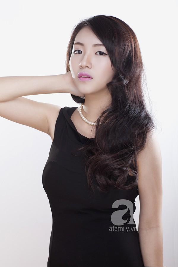 Hướng dẫn cách trang điểm môi hồng, lông mày nâu của Yoon Eun Hye