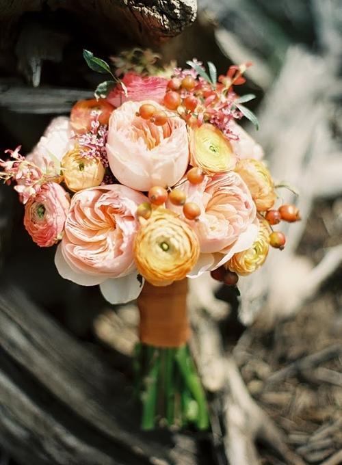 Chọn hoa tone ấm áp cho đám cưới mùa lạnh 4