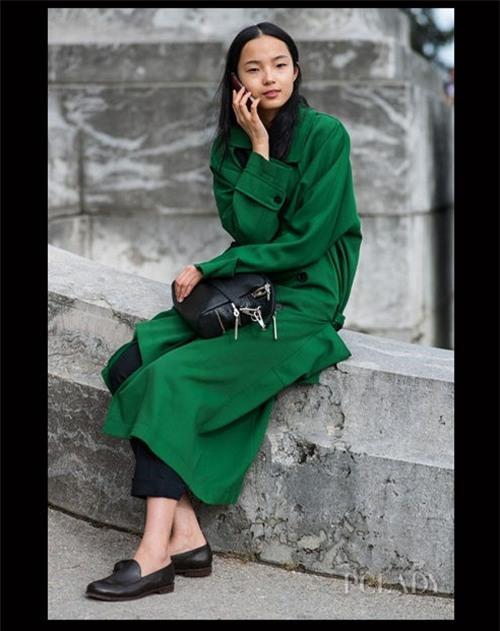 8 gam màu 'quyền lực' cho áo khoác Đông - 5