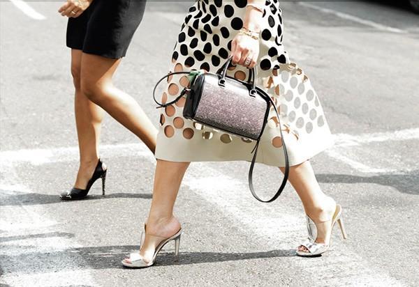 5 điều cần ghi nhớ khi quyết định mua 1 chiếc túi đắt đỏ 7