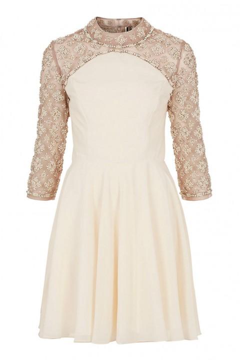 Gợi ý trang phục dự tiệc cưới ấm áp mà vẫn sang trọng 4