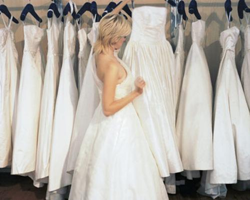 Váy cưới - Nên mua hay nên may? 7