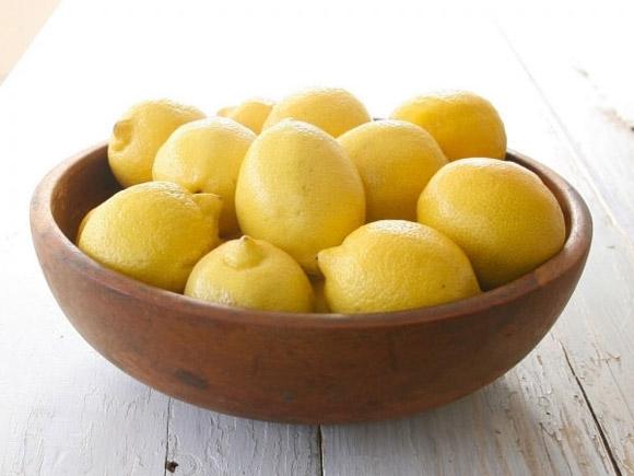 10 thực phẩm hữu ích giúp trị mụn đơn giản