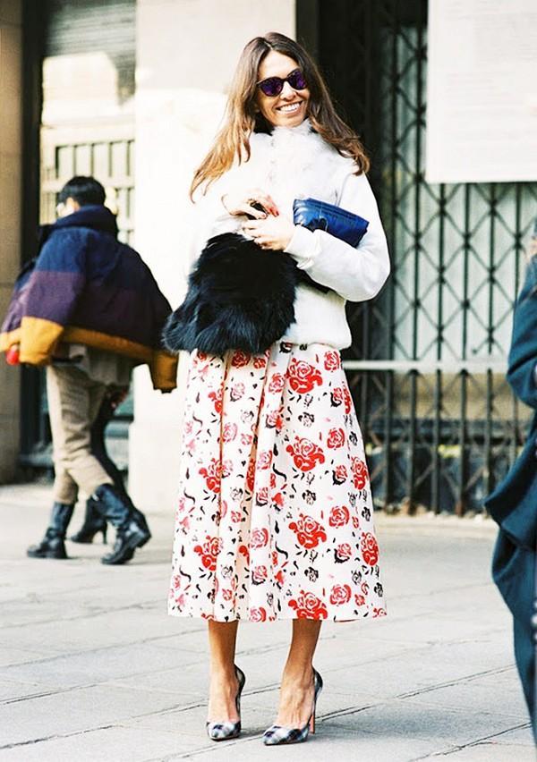 Muôn kiểu kết hợp nhẹ nhàng và ấm áp cùng chân váy midi 17