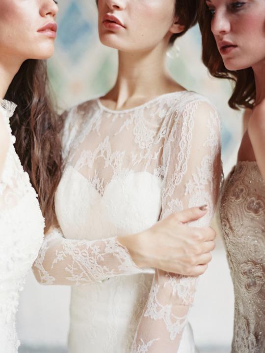 Xu hướng váy cưới dài tay cho mùa đông lạnh giá 12