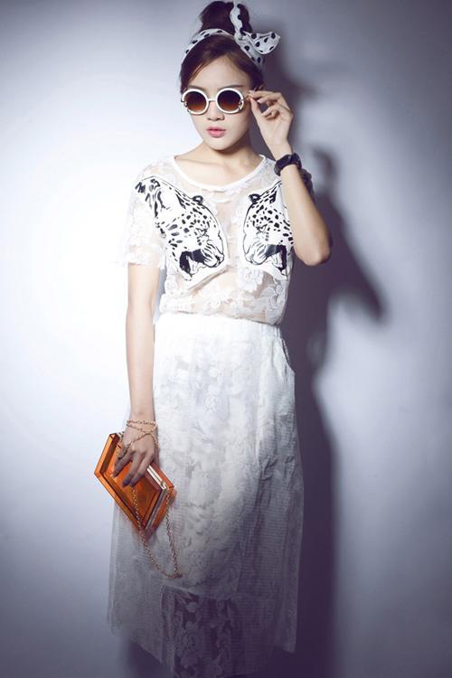 Trang phục đen trắng mát mắt cho ngày hè