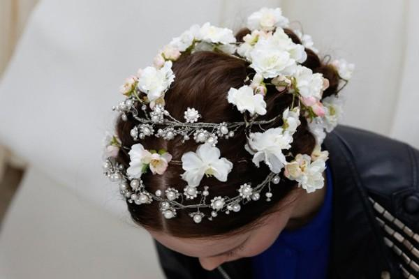 Phụ diện đẹp & lạ cho mái tóc giúp cô dâu thêm lộng lẫy 2