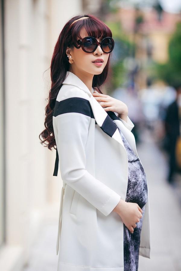 Mặc đồ công sở ấm áp và thời trang cho bà bầu xinh đẹp 3
