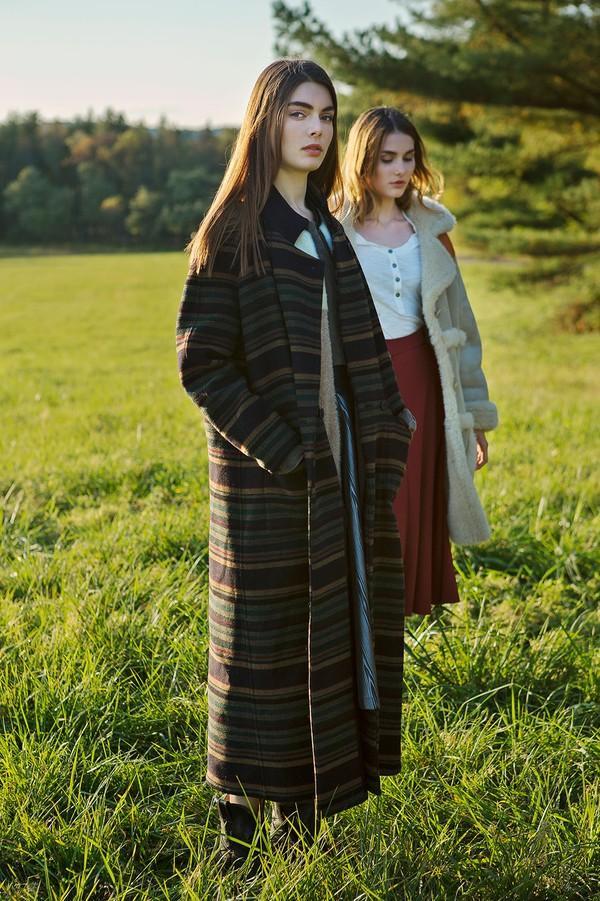 6 chiếc áo khoác giúp phong cách của bạn mới lạ và hợp mốt 15