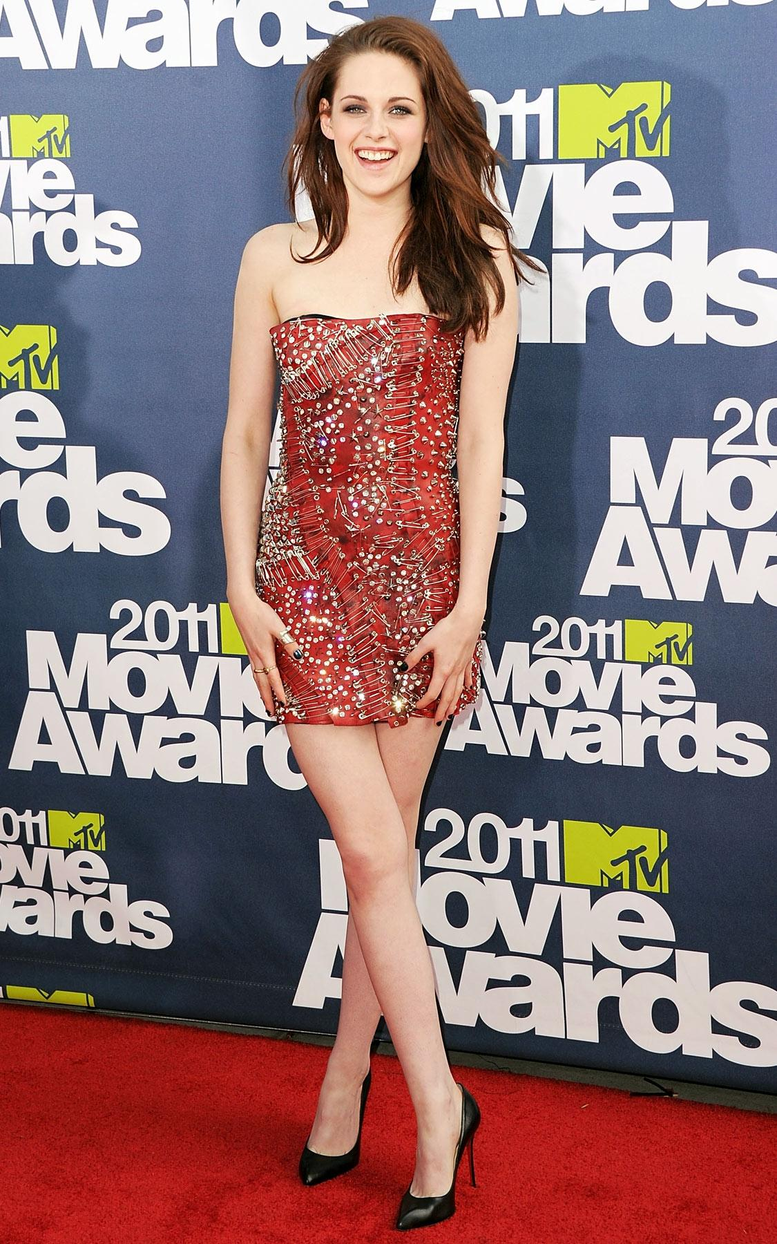 Những bộ cánh tuyệt đẹp trên thảm đỏ của Kristen Stewart