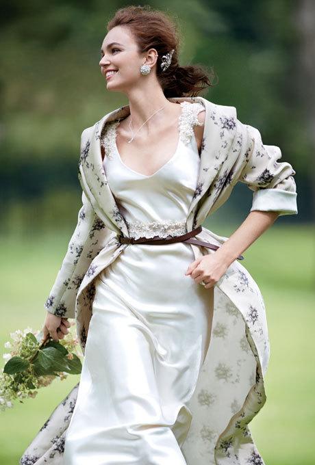 Ấm áp mà vẫn đẹp lộng lẫy với áo khoác cưới mùa đông 2013 19