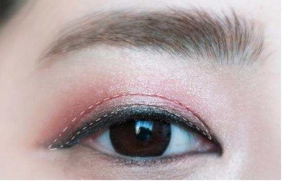 Giúp gương mặt hồng hào hơn nhờ make up