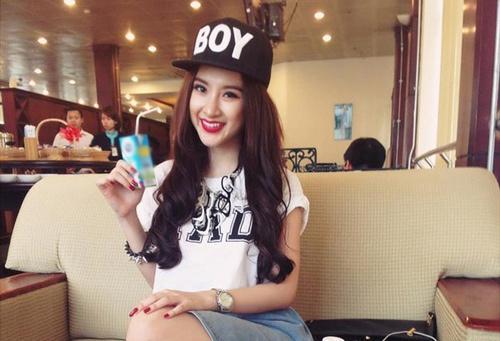 Chiêu 'thuần phục' chiếc mũ snapback ngổ ngáo cho teengirl