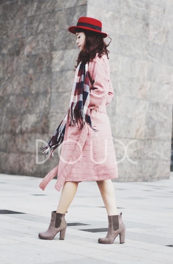Chọn áo khoác cho nàng công sở đón rét kéo dài 14
