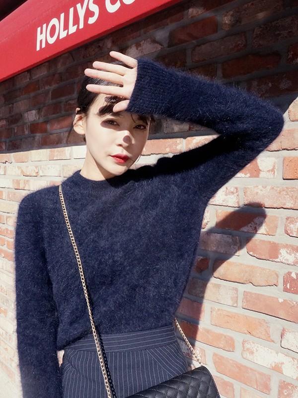 Tư vấn cách chọn và mặc áo len thật chuẩn cho nàng siêu gầy 3
