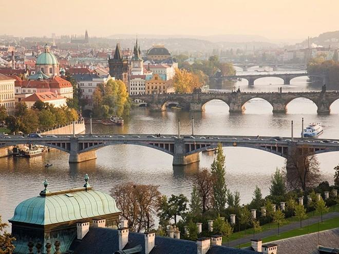 Vẻ đẹp mê hồn của 10 thành phố du lịch hàng đầu châu Âu 10
