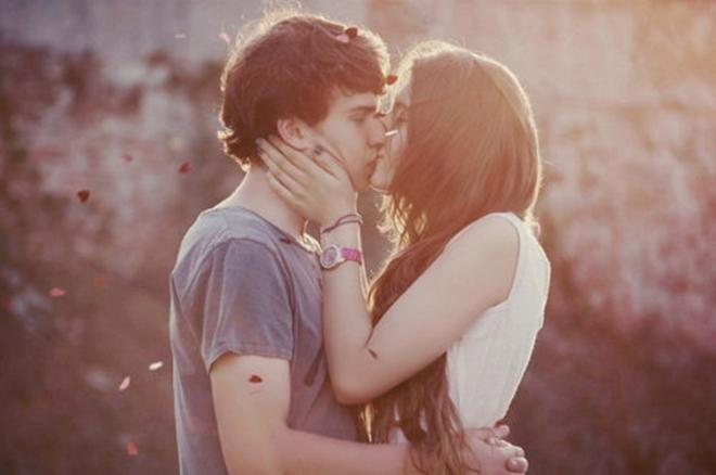 Đẹp lên trông thấy chỉ với 7 lợi ích từ nụ hôn