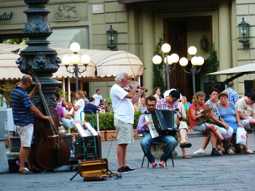 street-musicians2-1378713675.jpg