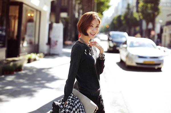 3 cách mix đồ đẹp trendy hợp với cô nàng tóc ngắn