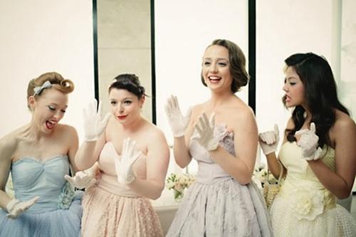 7 gợi ý váy phù dâu thời trang và nhã nhặn 1