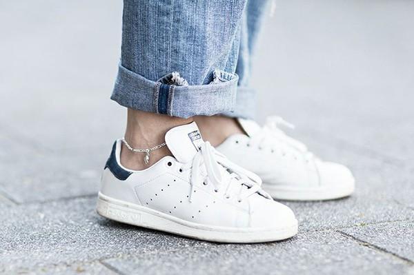 Sneaker trắng - đôi giày bạn phải có mùa đông này 1