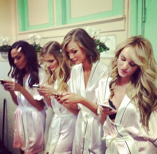 Các thiên thần đằng sau sàn diễn Victoria's Secret 2013