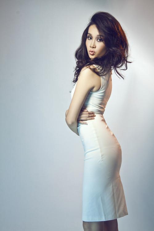 Tươi trẻ màu pastel cùng giải vàng Siêu mẫu Việt Nam