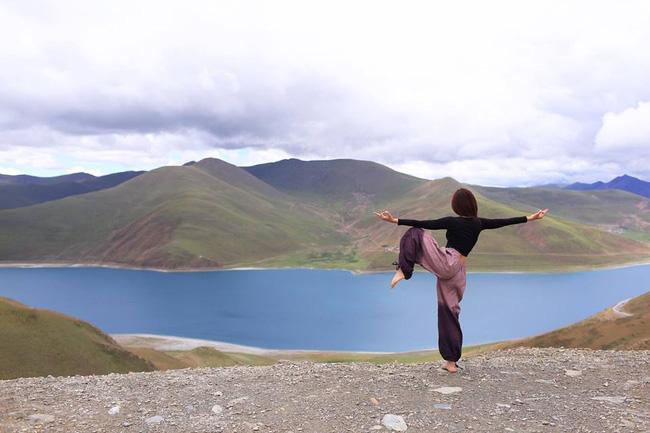 Tập Yoga tại tất cả mọi nơi mình đi qua - cô gái người Việt này đang truyền cảm hứng cho rất nhiều người! - Ảnh 3.