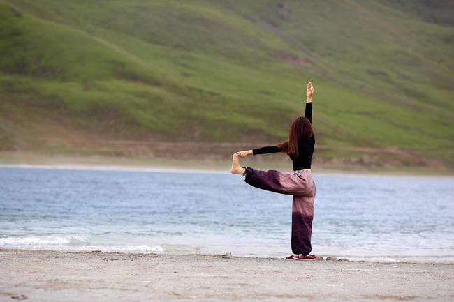 Tập Yoga tại tất cả mọi nơi mình đi qua - cô gái người Việt này đang truyền cảm hứng cho rất nhiều người! - Ảnh 4.